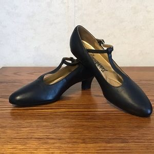 Capezio Dancesport Size 6 T-Strap Character Shoes